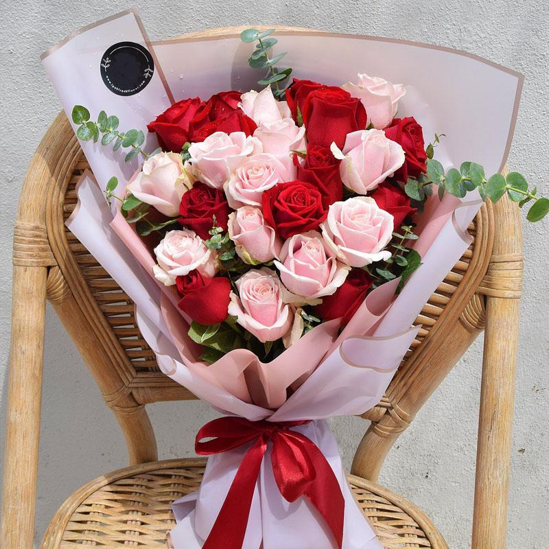 24支混搭玫瑰花束 国际送花 花店直送 保证时效